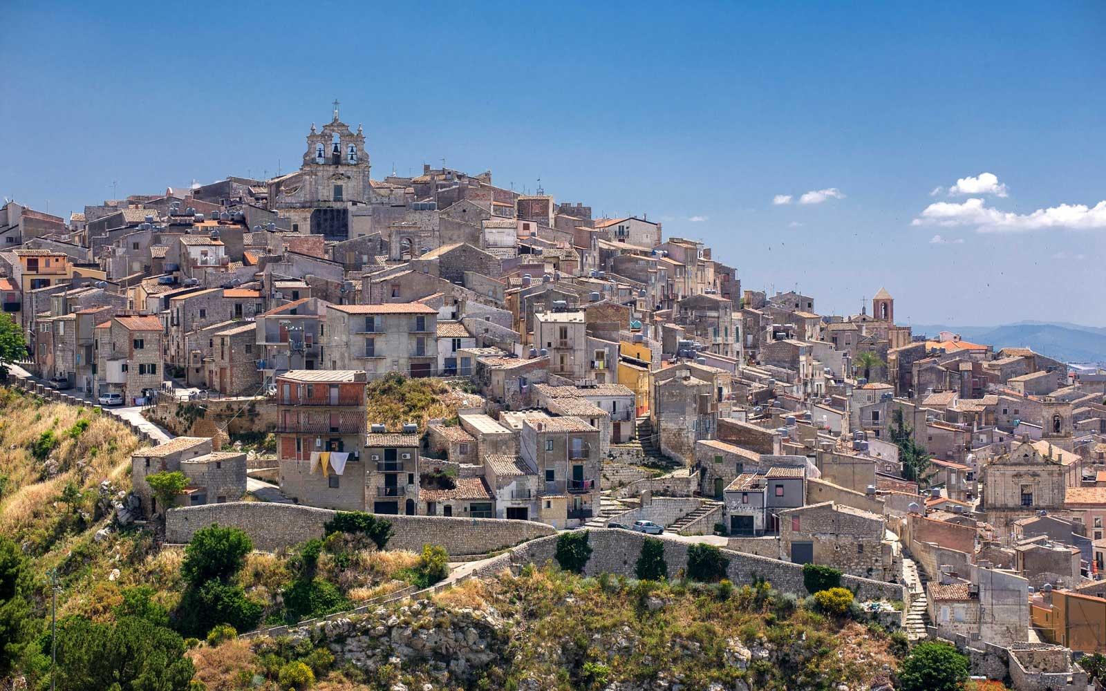 Venda casas € 1 em Mussomeli, Sicília