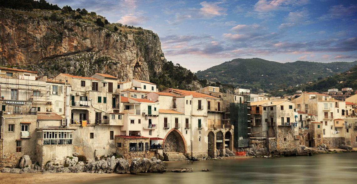 €1 houses for sale in Salemi, Sicily