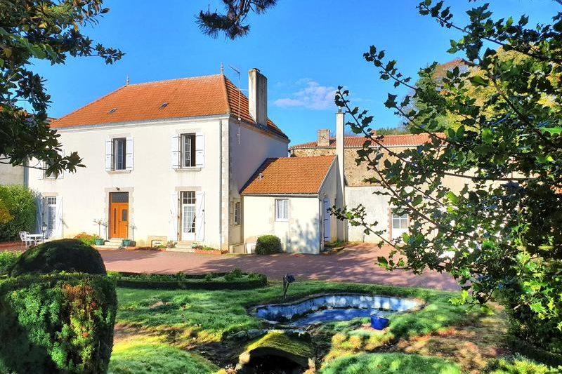 Maison à vendre à POUZAUGES, Vendée, Pays de la Loire, France
