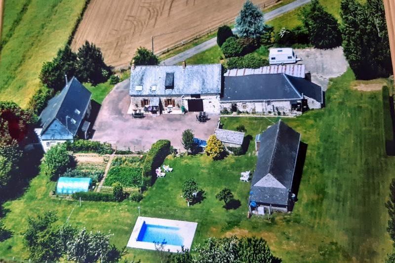 Maison à vendre à SAINT DENIS DE GASTINES, Mayenne, Pays de la Loire, France